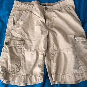 Banana Republic Cotton cargo shorts waist 33 EUC